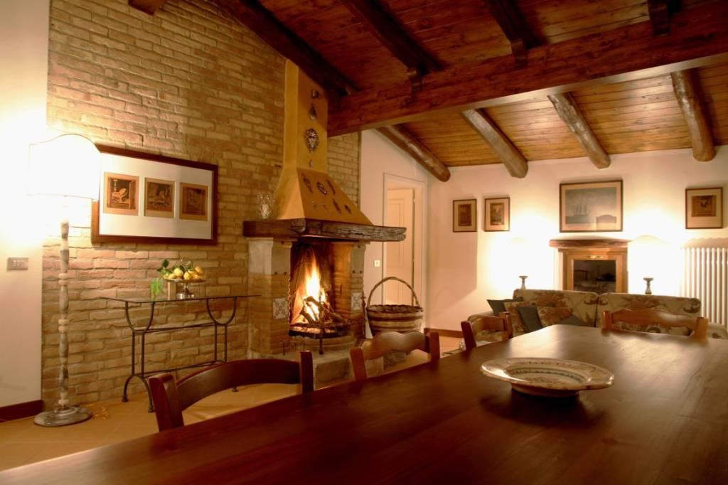 Casa Indipendente in ottime condizioni arredato in vendita Rif. 8402161