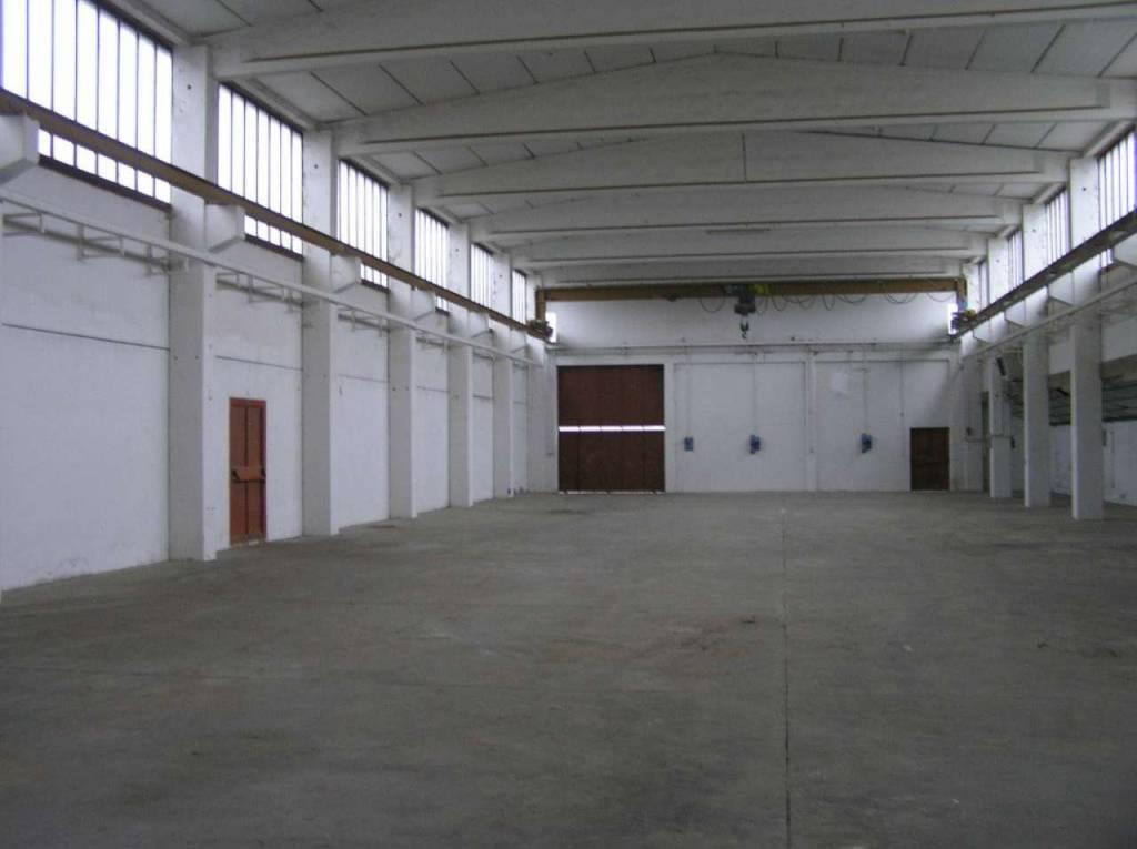 Capannone in vendita a Como, 4 locali, zona Breccia - Camerlata - Rebbio, prezzo € 612.000   PortaleAgenzieImmobiliari.it