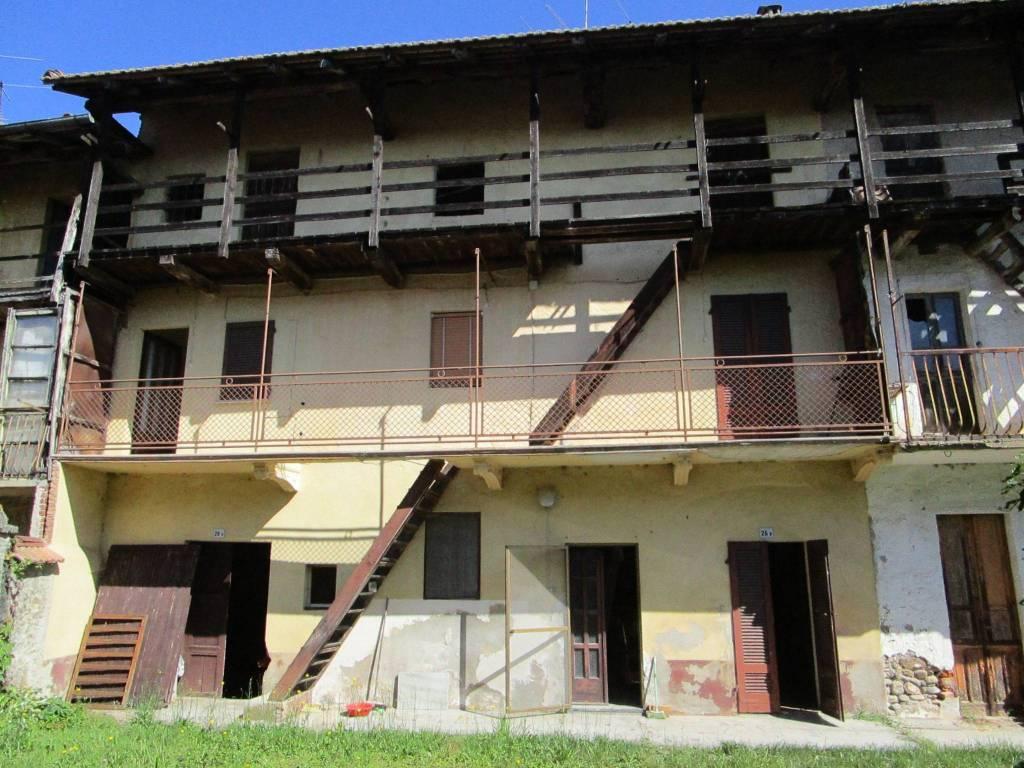 Rustico / Casale in vendita a Fontaneto d'Agogna, 4 locali, prezzo € 35.000 | PortaleAgenzieImmobiliari.it