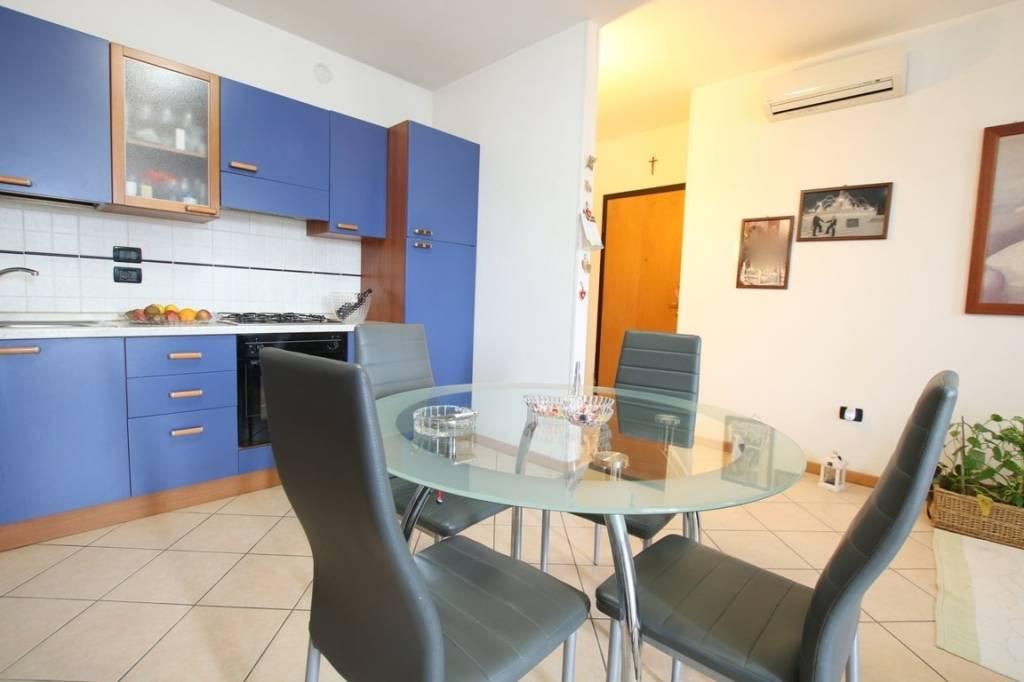 Appartamento in vendita a Vicenza, 2 locali, prezzo € 74.000 | CambioCasa.it