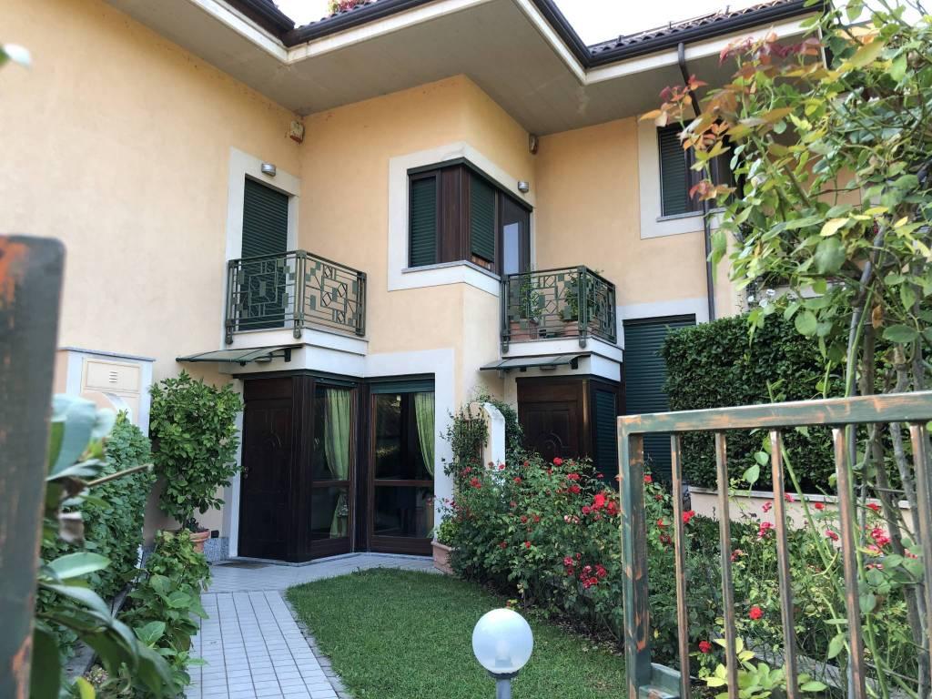 Foto 1 di Villa strada del Fioccardo 200, Torino (zona Precollina, Collina)