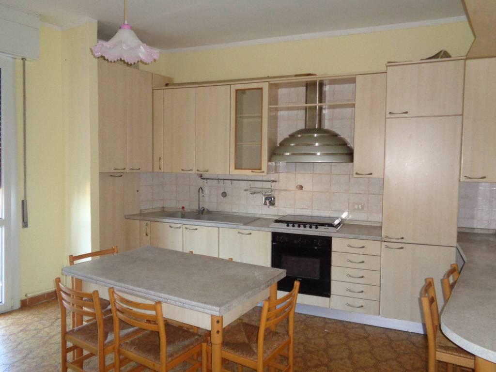 Appartamento in Affitto a Correggio: 3 locali, 55 mq