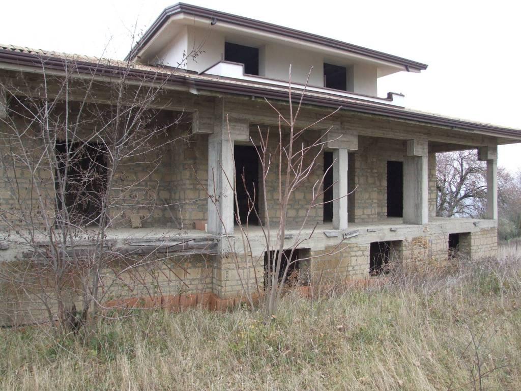 Villa in vendita a Apice, 6 locali, prezzo € 80.000 | CambioCasa.it
