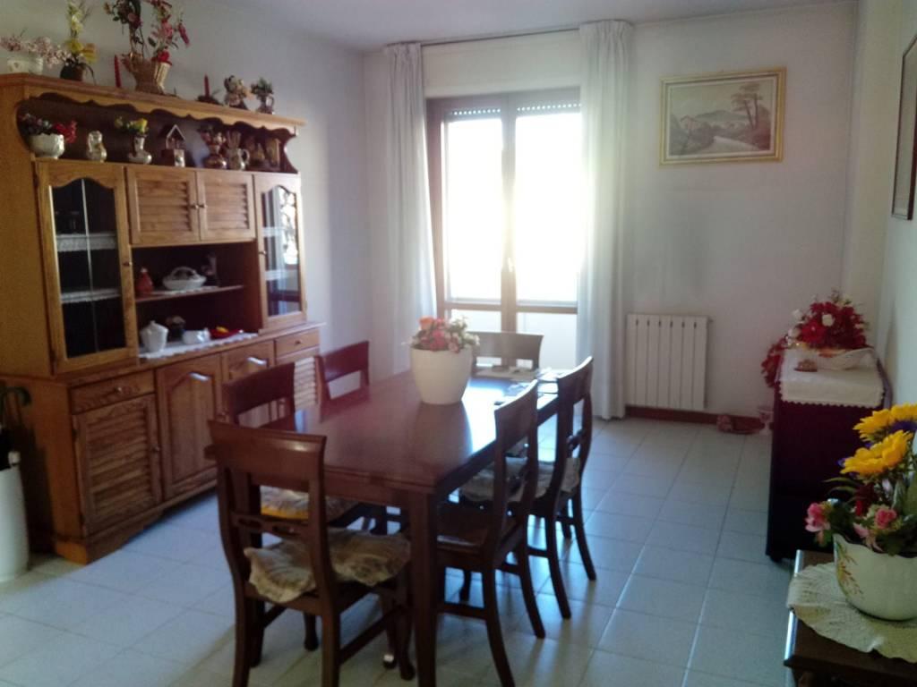Appartamento in Vendita a Pistoia Semicentro: 3 locali, 95 mq