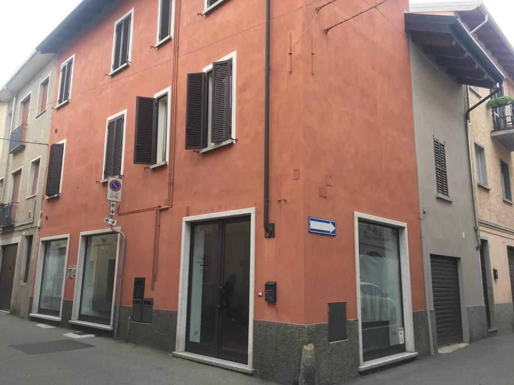 Negozio / Locale in affitto a Borgomanero, 2 locali, prezzo € 450 | PortaleAgenzieImmobiliari.it