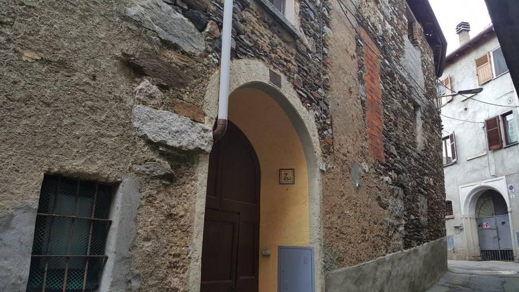Rustico / Casale in vendita a Armeno, 6 locali, prezzo € 25.000 | CambioCasa.it