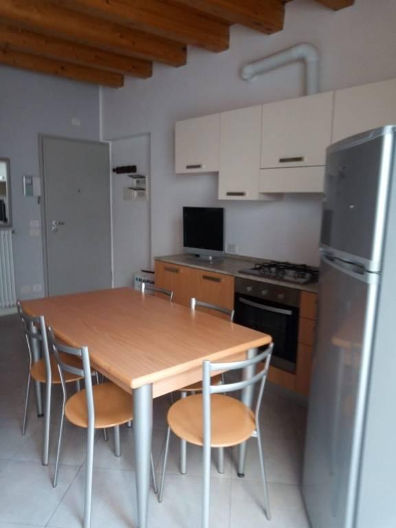 Appartamento in affitto a Albino, 2 locali, prezzo € 450 | PortaleAgenzieImmobiliari.it