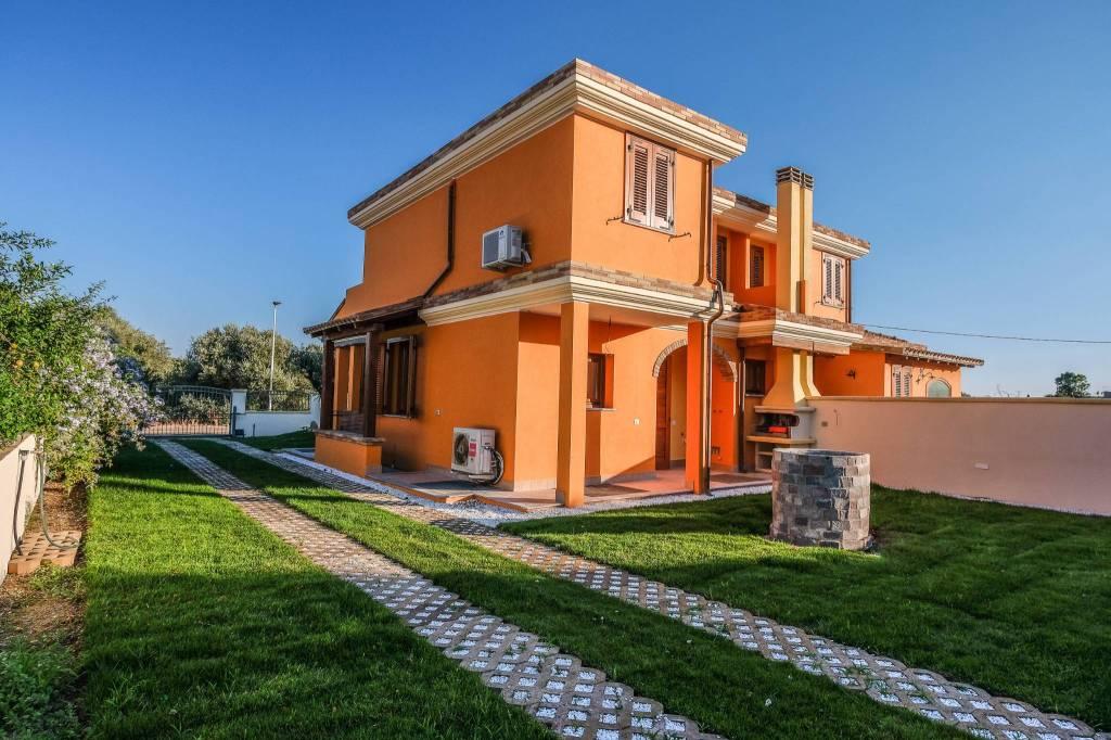 Villa in ottime condizioni in vendita Rif. 8719425