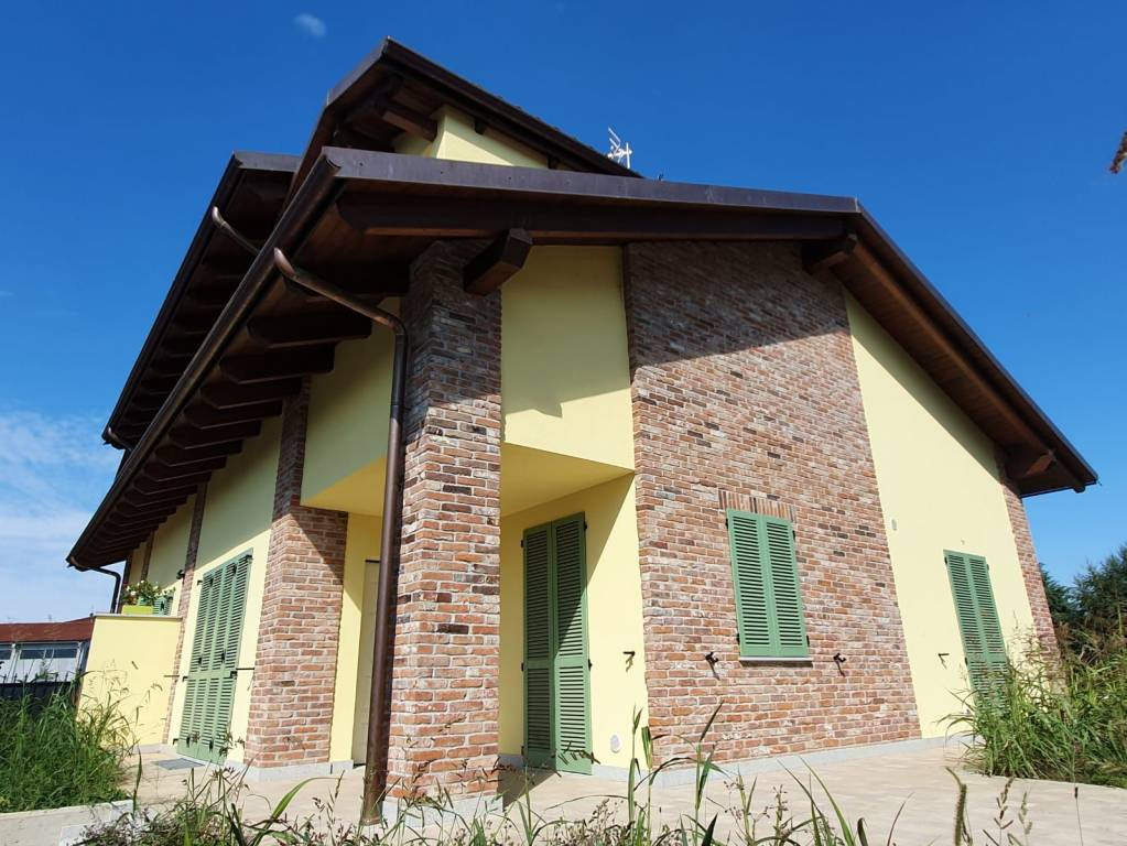 Foto 1 di Villa via Vincenzo Bellini, Riva Presso Chieri