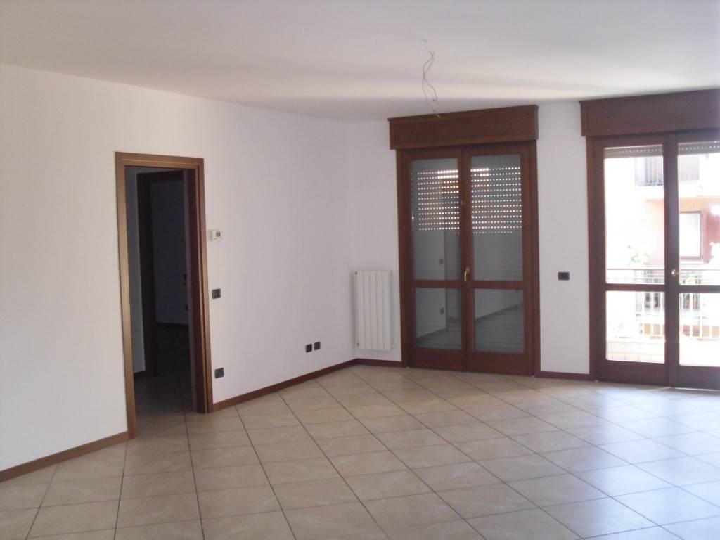 Appartamento in affitto a Torre Boldone, 3 locali, prezzo € 600 | PortaleAgenzieImmobiliari.it