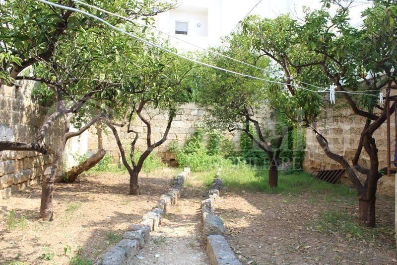 Casa indipendente in Vendita a Tuglie Centro: 5 locali, 143 mq
