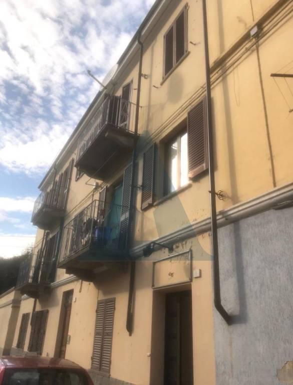 Foto 1 di Negozio via Pietro Geymet 8, Pinerolo