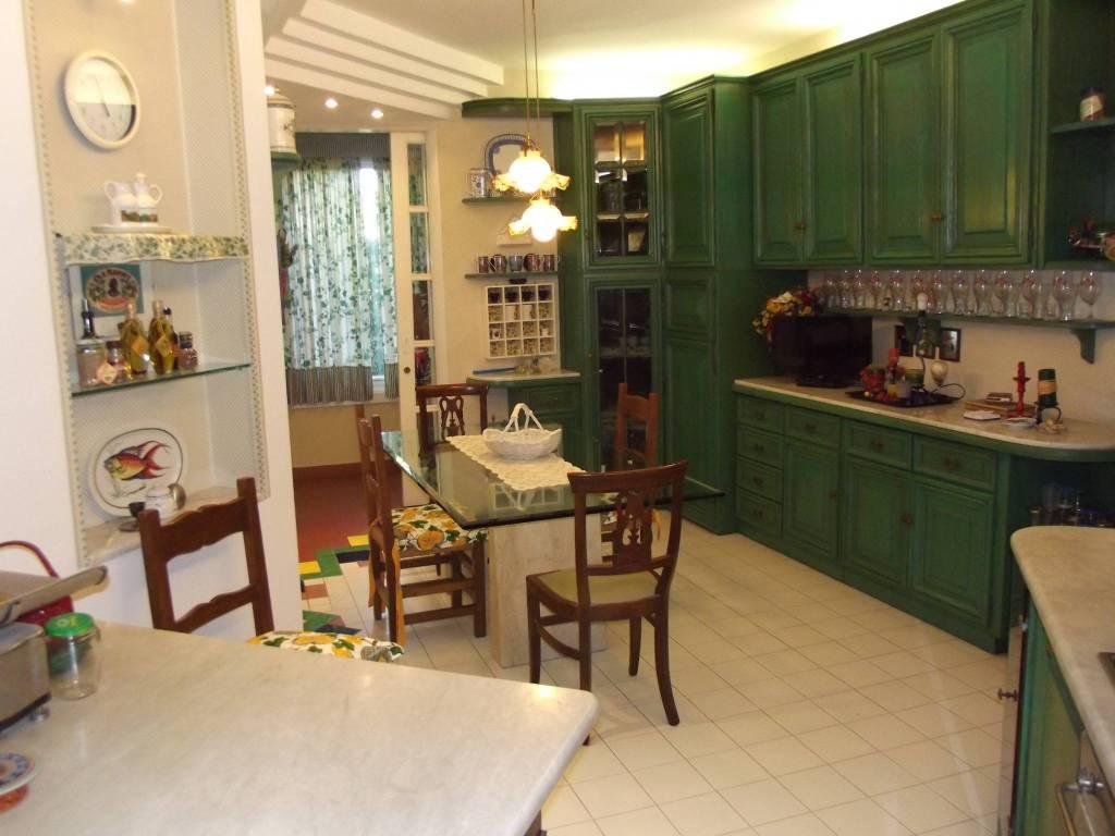 Appartamento in Affitto a Pontedera Periferia: 5 locali, 140 mq