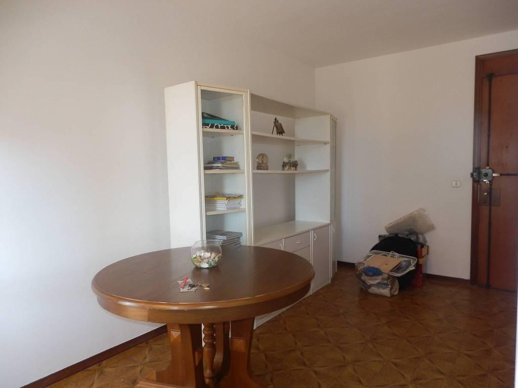 Appartamento in Vendita a Viareggio Centro: 3 locali, 65 mq