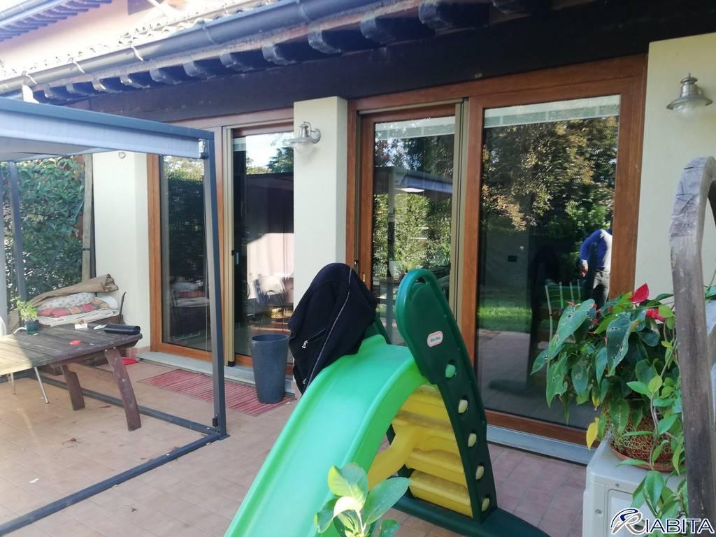 Villa in Vendita a Gazzola Periferia: 5 locali, 200 mq
