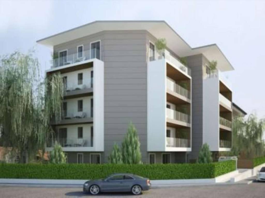 Appartamento in vendita a Cantù, 3 locali, prezzo € 295.000 | CambioCasa.it