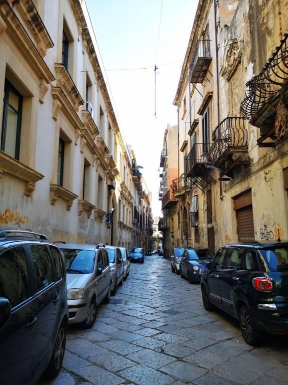 Appartamento in Vendita a Palermo Centro: 1 locali, 40 mq