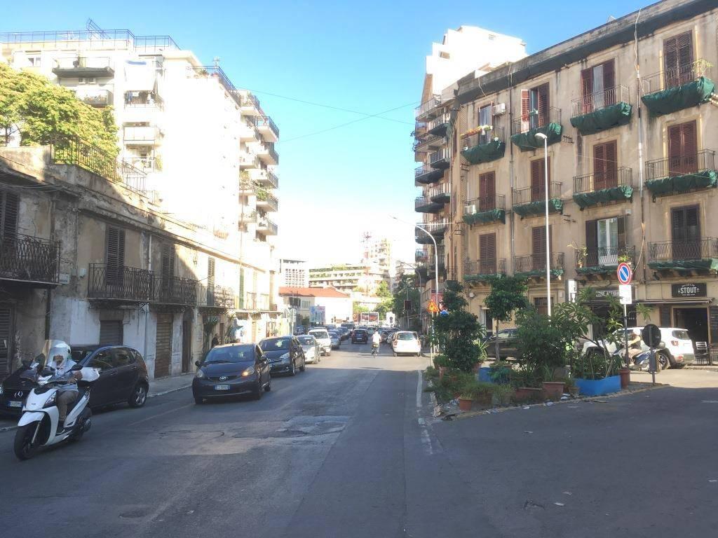 Appartamento in Affitto a Palermo Centro: 5 locali, 183 mq