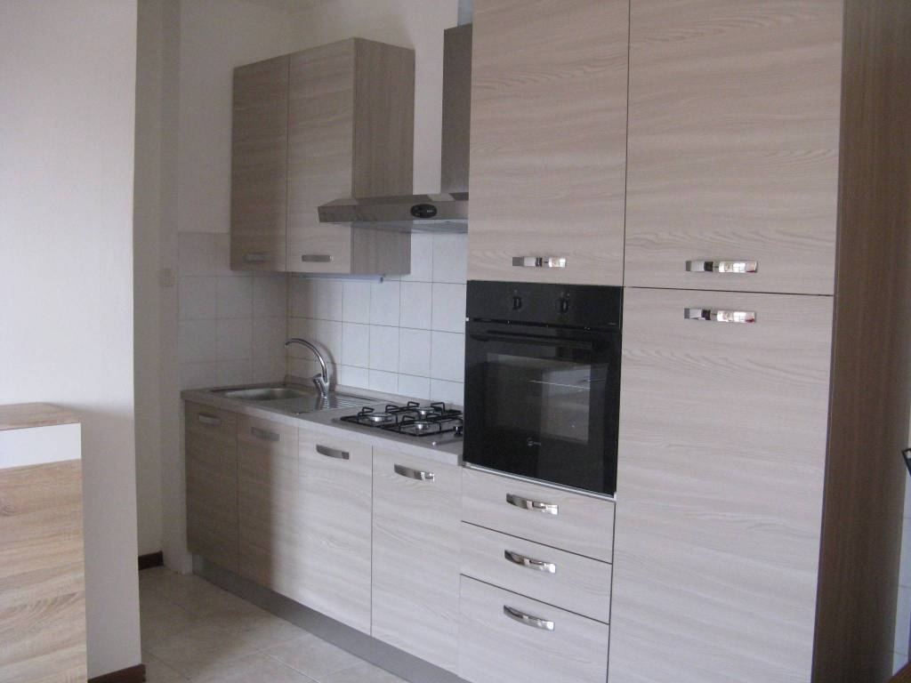 Appartamento in affitto a Stezzano, 2 locali, prezzo € 500   PortaleAgenzieImmobiliari.it