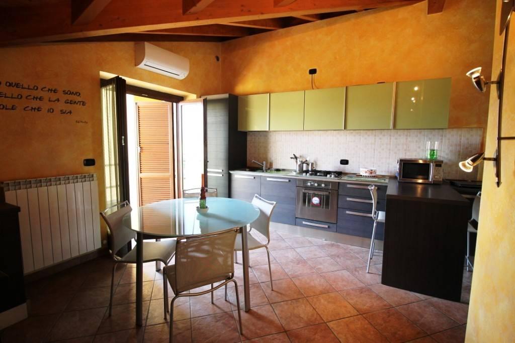 Appartamento in affitto a Cardano al Campo, 2 locali, prezzo € 500 | PortaleAgenzieImmobiliari.it