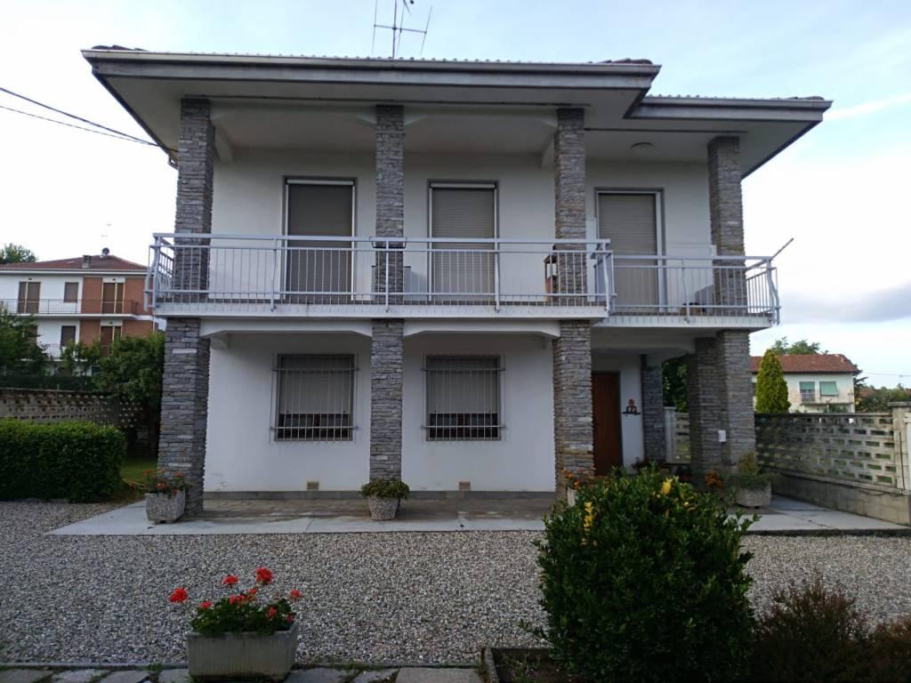 Villa in vendita a Cerro Tanaro, 5 locali, Trattative riservate | PortaleAgenzieImmobiliari.it