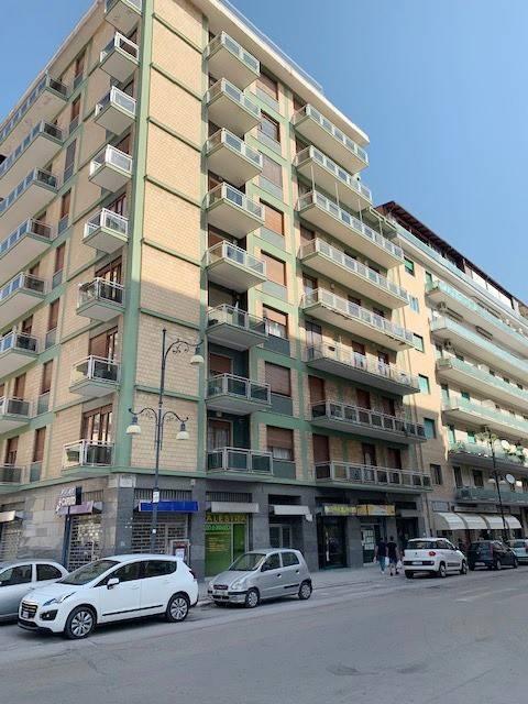 Appartamento in Vendita a Foggia Centro:  4 locali, 170 mq  - Foto 1