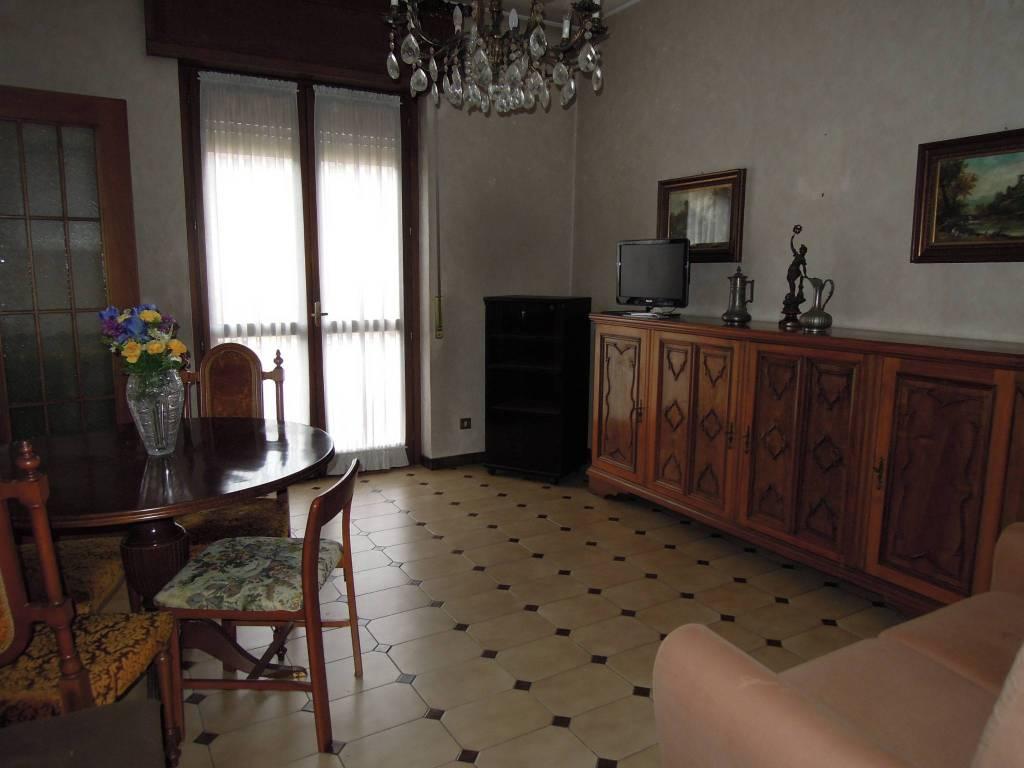 Appartamento da ristrutturare in vendita Rif. 8266833