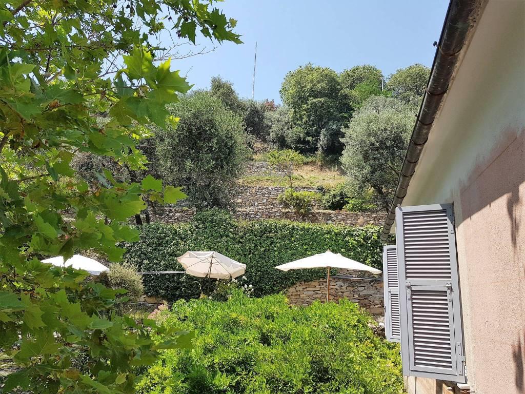 Foto 1 di Quadrilocale via Montefiorito, Recco