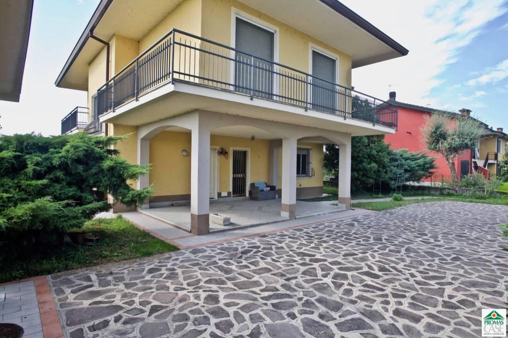 Villa in Vendita a Agnadello