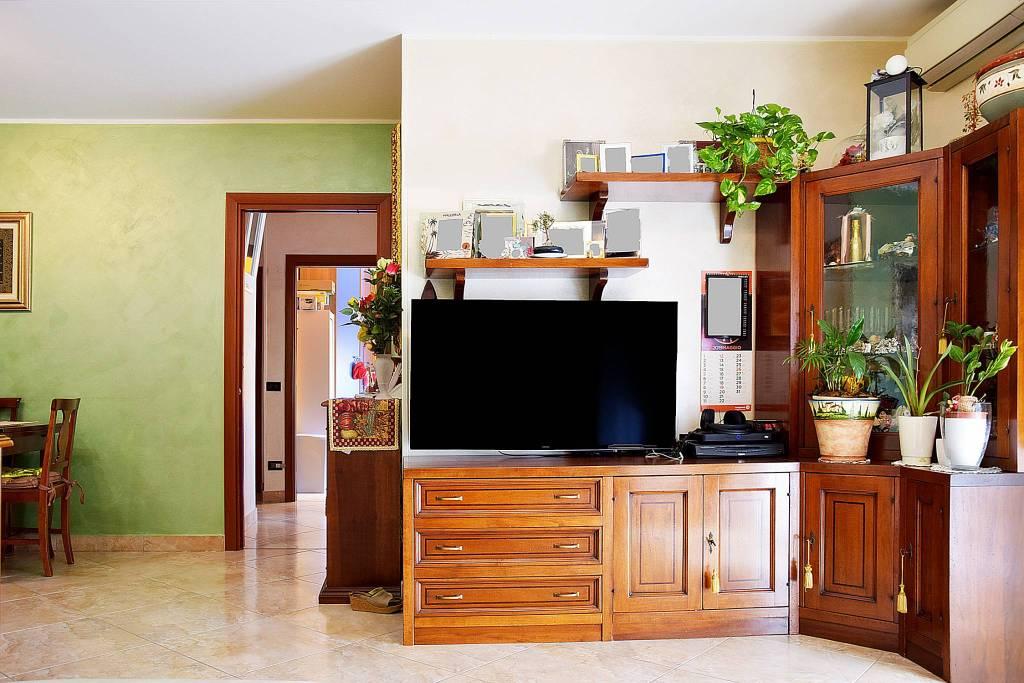 Appartamento in ottime condizioni in vendita Rif. 9465921