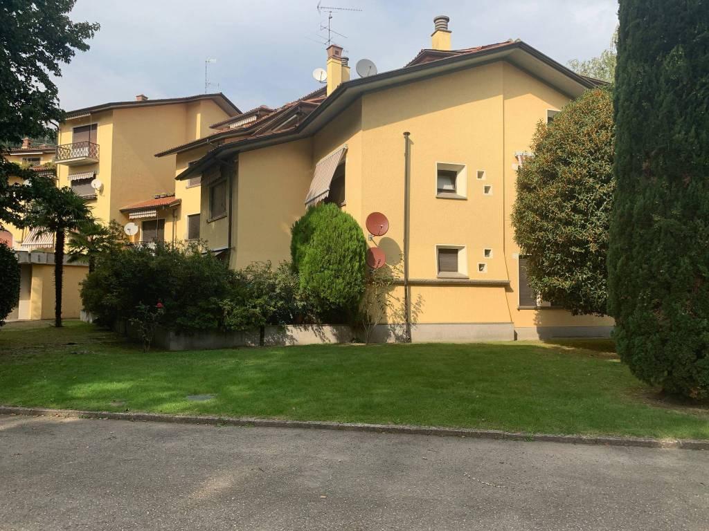 Appartamento in buone condizioni arredato in vendita Rif. 7928252