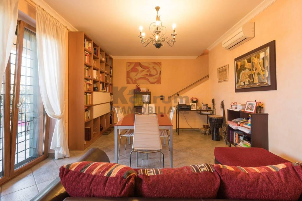 Appartamento in ottime condizioni in vendita Rif. 7925626