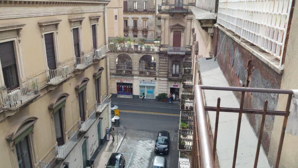 Foto 1 di Appartamento via Aloi 11, Catania