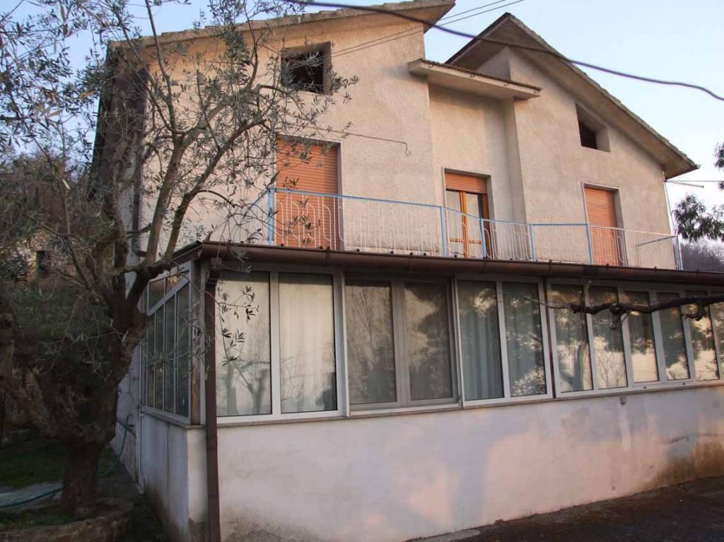 Villa in vendita a Apice, 4 locali, prezzo € 55.000 | CambioCasa.it