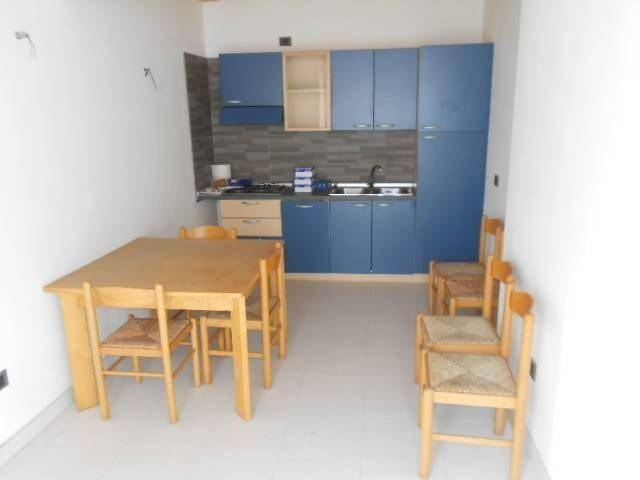 Appartamento in ottime condizioni arredato in vendita Rif. 8268337
