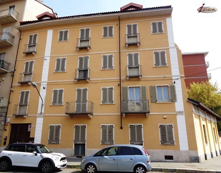 Foto 1 di Trilocale via Pettinengo 2, Torino (zona Lucento, Vallette)