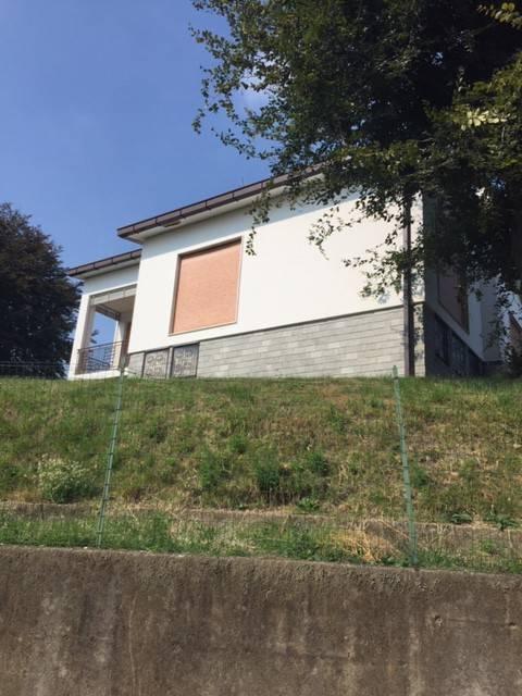 Villa in vendita a Villa Guardia, 4 locali, prezzo € 380.000 | PortaleAgenzieImmobiliari.it