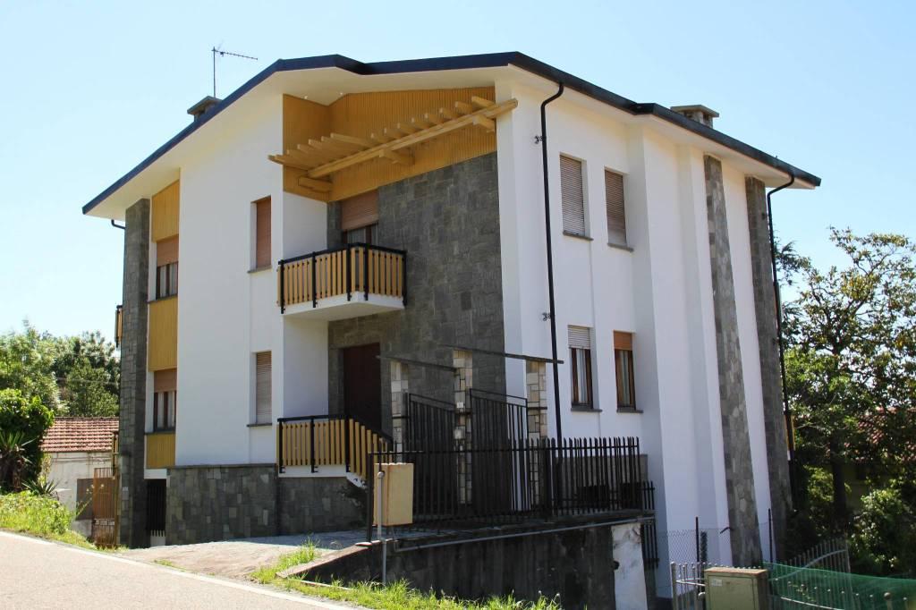 Foto 1 di Villa via Biella, Bollengo