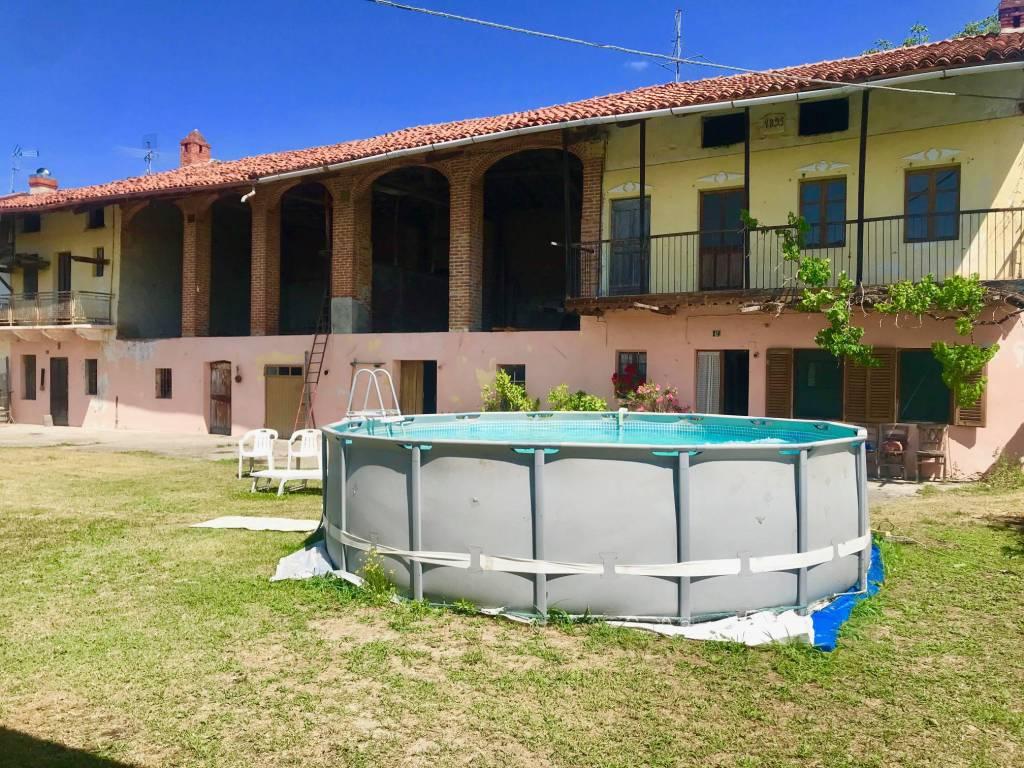 Foto 1 di Rustico / Casale via Ivrea, Candia Canavese