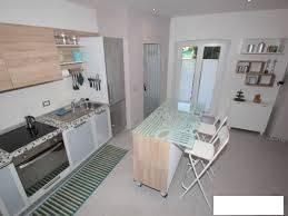 Immagine immobiliare alloggio ristrutturato in bella zona centrale alloggetto con porta blindata e video citofono in stabile signorile,ampio e con finestre di camera con cucina e bagno euro 390 tel ***7712568