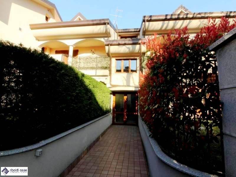 Appartamento in vendita a Seveso, 3 locali, prezzo € 225.000 | PortaleAgenzieImmobiliari.it