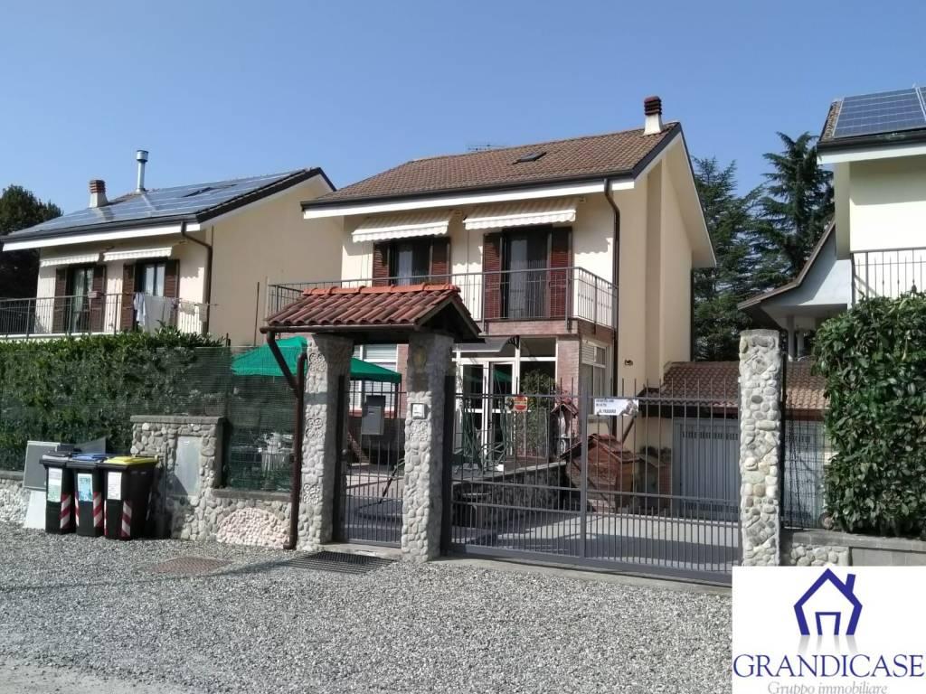 Foto 1 di Villa corso Industria 17, Monteu Da Po