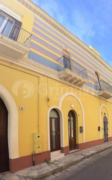 Casa indipendente in Vendita a Sannicola: 5 locali, 140 mq
