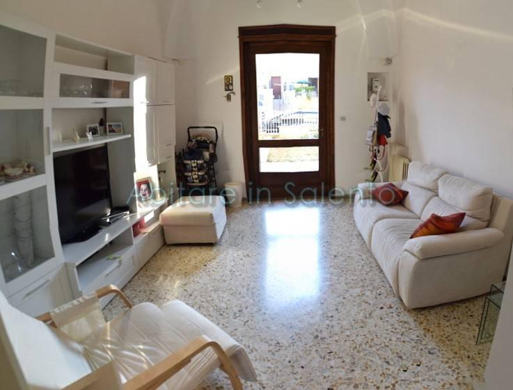 Soluzione Indipendente in vendita a Alessano, 14 locali, prezzo € 298.000 | CambioCasa.it