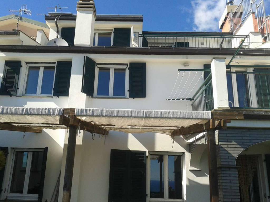 Foto 1 di Casa indipendente via al Castello, Cogorno