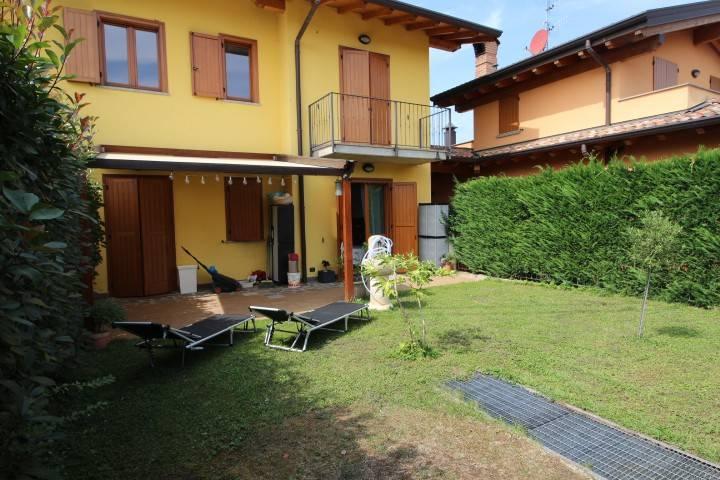Appartamento in vendita via Don Lorenzo Milani Almenno San Bartolomeo