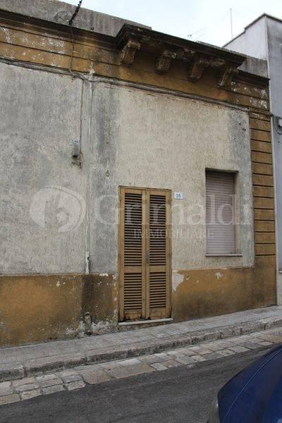 Casa indipendente in Vendita a Tuglie Centro: 3 locali, 74 mq
