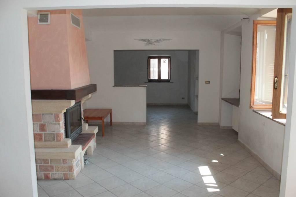 Foto 1 di Appartamento via Traforo 75, Bussoleno
