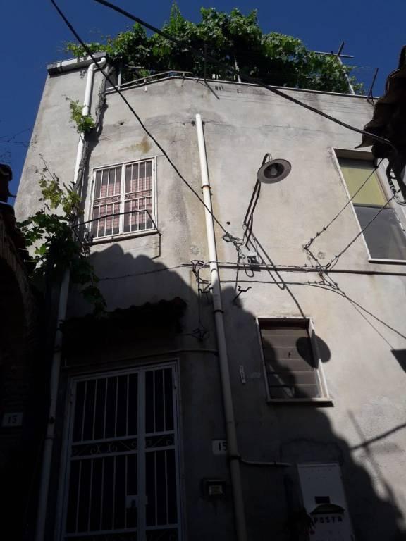 Appartamento in vendita a Roccella Ionica, 4 locali, prezzo € 75.000 | CambioCasa.it