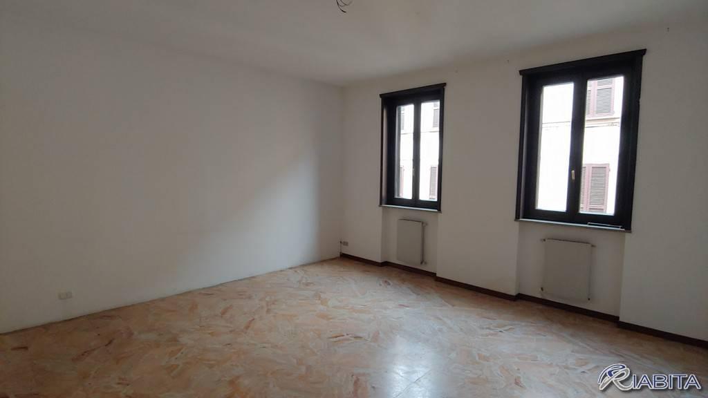 Appartamento in Affitto a Piacenza Centro: 3 locali, 130 mq